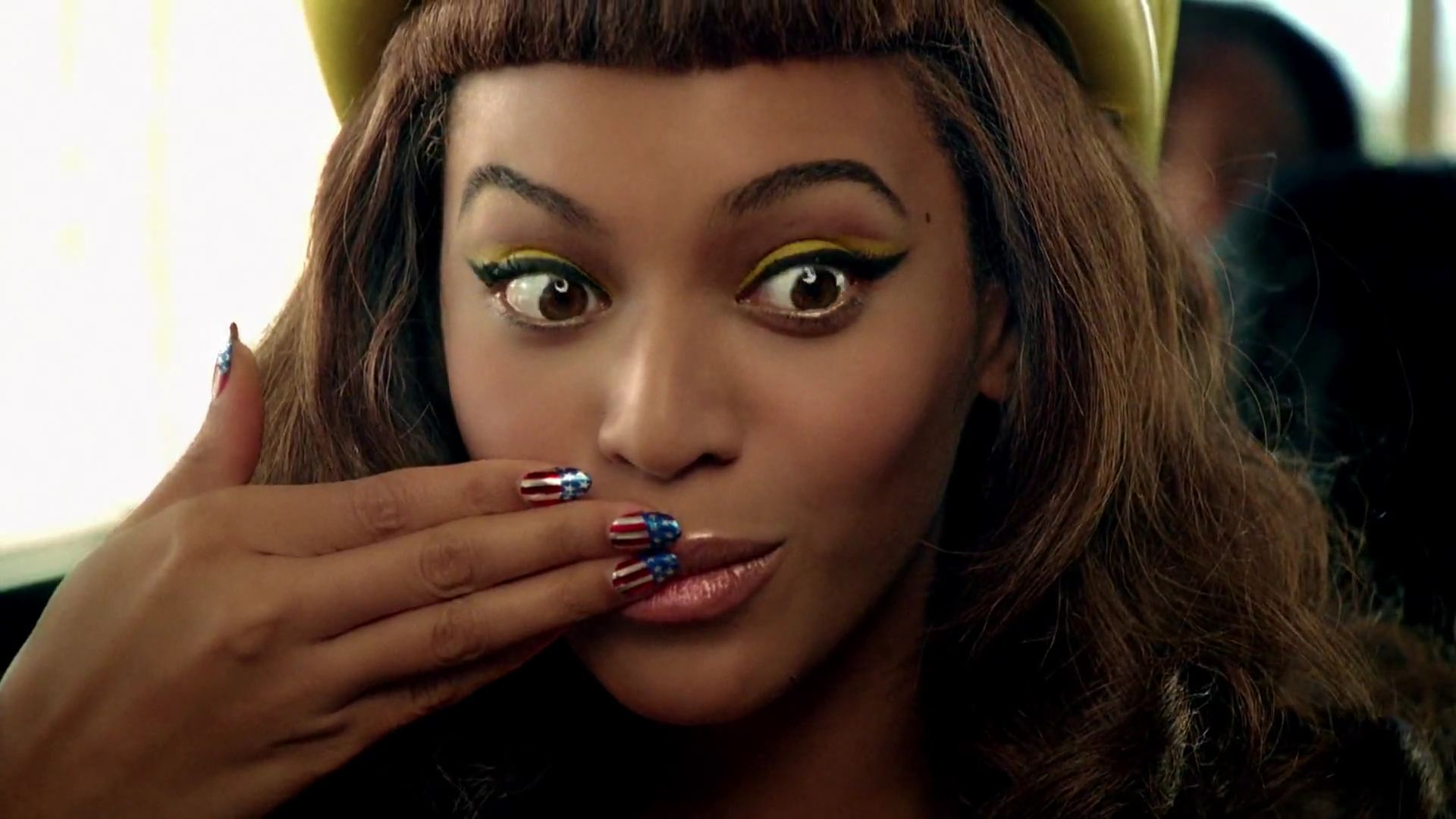 Beyonce Eyes Turn Black New Song: Beyon...